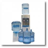 agua en bidones de policarbonato y dispensers